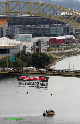 Greenpeace Spotlights Climate Change at G20